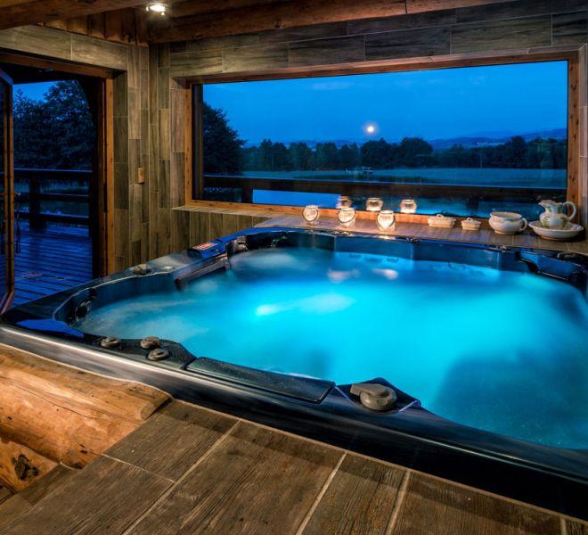 Badewanne mit Hydromassage